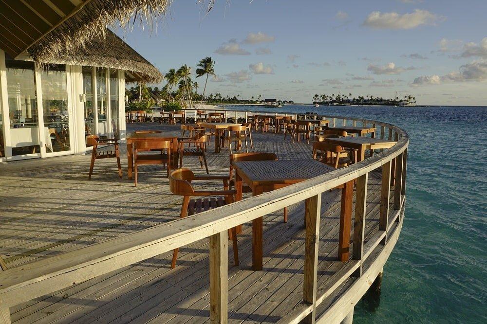 water-restaurant-maldives